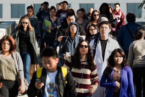 作为土生土长的中国男性,你会觉得华裔美国女孩有吸引力吗?