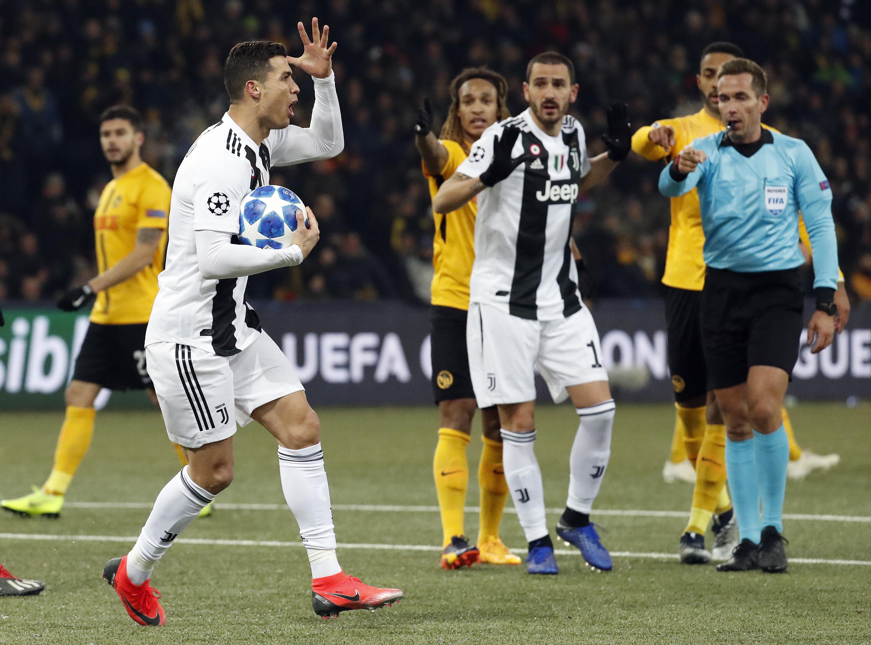 足球--欧冠:尤文图斯不敌伯尔尼年轻人