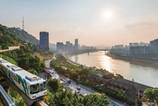 """重庆""""必去的""""一条街道,年轻人的网红打卡地,游客:新宠儿"""