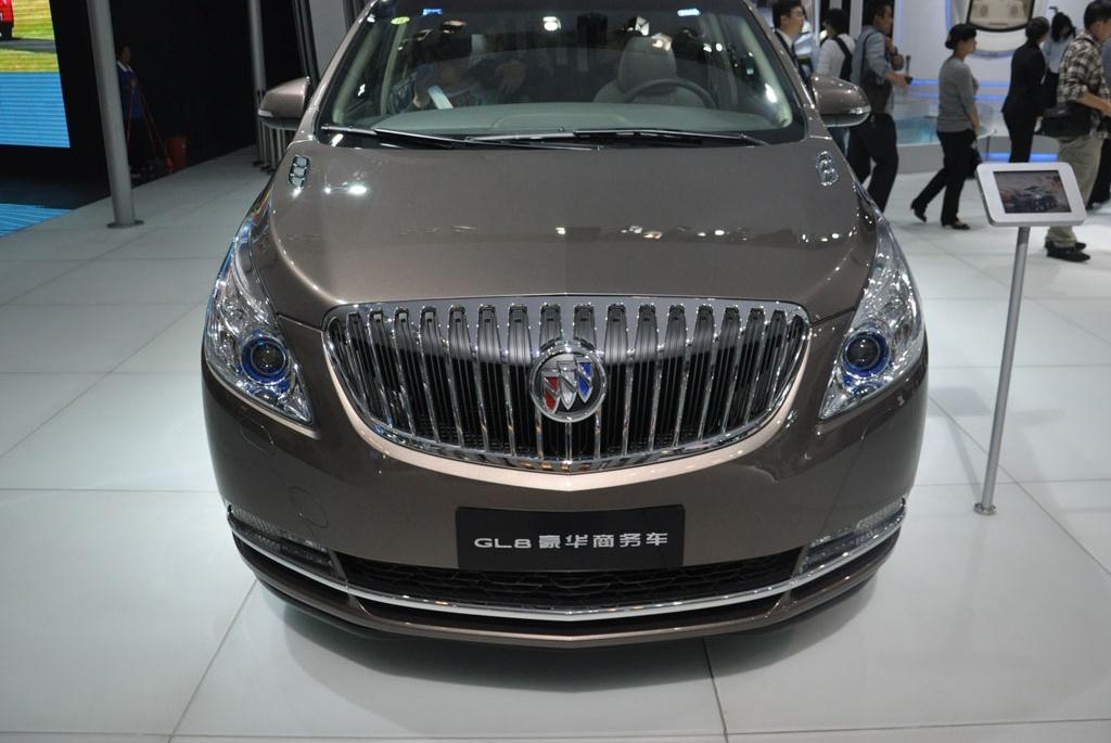 别克GL8在美国少见,为什么在中国却卖45万?年销量达14万台