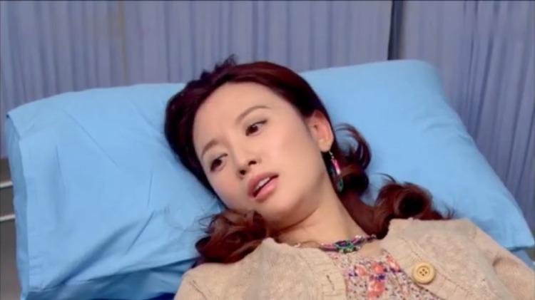 美女去医院做婚检,医生还是个老头,竟然还要检查乳腺情况!