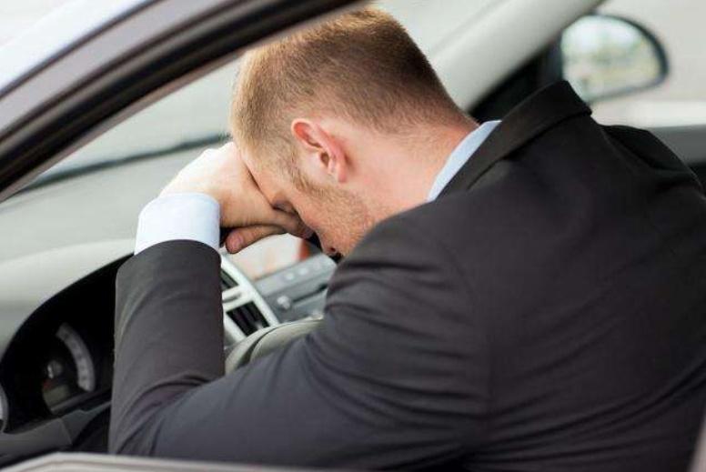 这4种人群不适合开车!驾校教练道出了实情,车友:别考驾照了