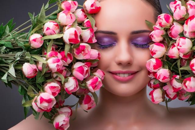 怎么用粉扑涂粉底液 这些化妆手法你知道吗