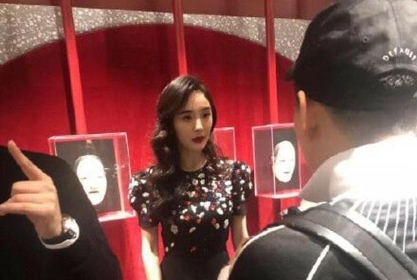 """港媒爆杨幂暴瘦至""""皮包骨"""",她的公公刘丹:她吃得少,但很健康"""