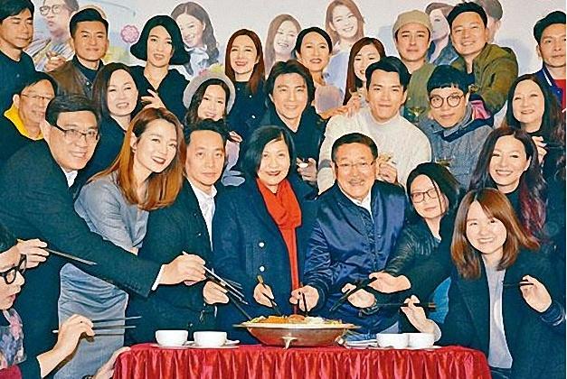 护子情深!刘恺威窝在家里没脸出席新年宴会?丹爷的回应意味深长