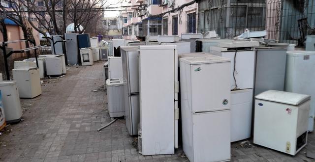 大街上回收旧家电的人,一个月能赚多少钱?答案说出来你都不敢信