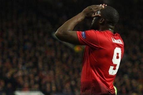 曼联在巴萨的比赛中有翻盘的机会,但卢卡库不在状态