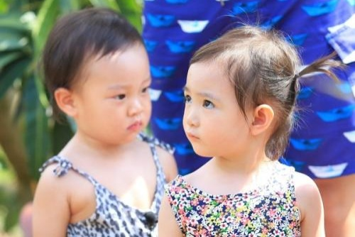 本以为奥莉长大后是美女,看到贾乃亮女儿后,才知道什么叫逆袭