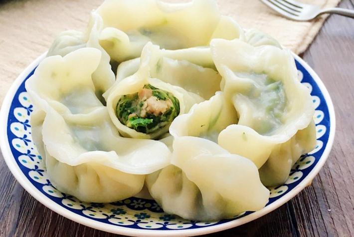 春天到了,别再只用韭菜包饺子了,用它来包饺子,好吃还不会发腻
