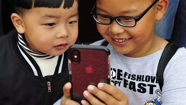 看了看00后手机里的APP,我发现他们和想象中的不一样