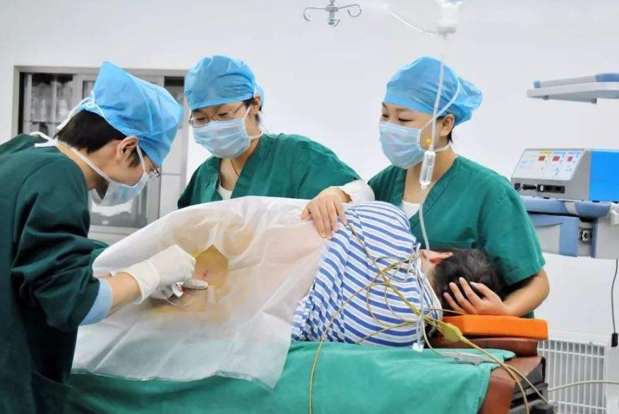 剖腹产前打麻醉,这3个问题可能会让麻醉师反感,孕妈最好不要问