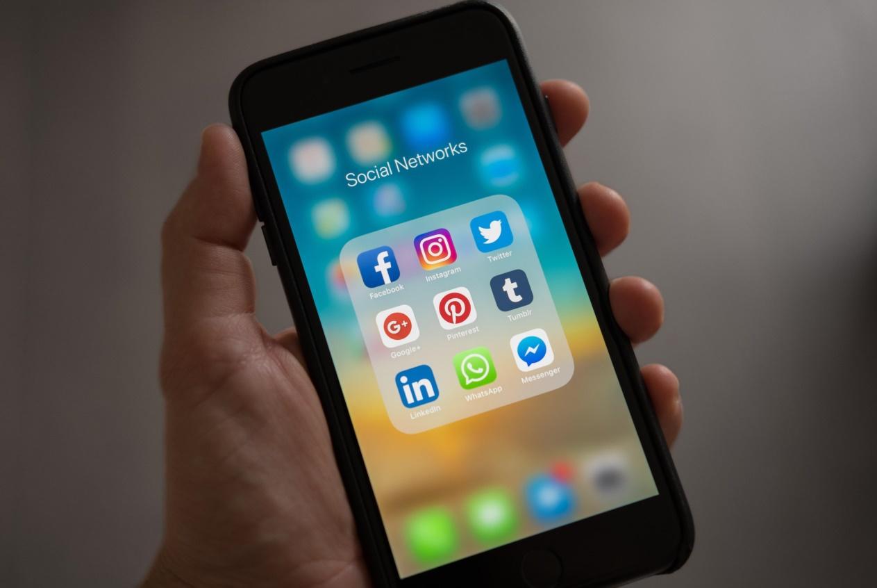 手机辐射排行榜公布,苹果与小米手机均上榜,有你用的手机吗?