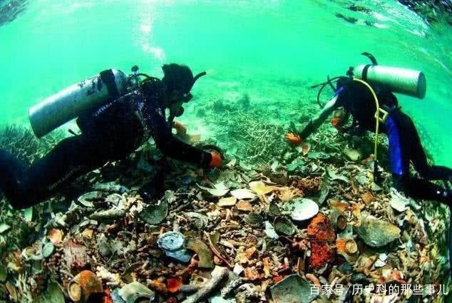 听说当地沉过船,老外大胆下海寻宝,捞起6万件中国文物一夜暴富