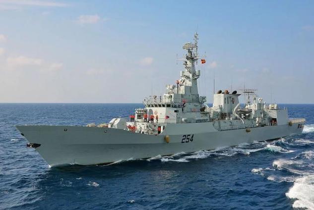 巴铁宣布购升级版辽宁舰,一跃而成中东最强海军,沙特连声叫好