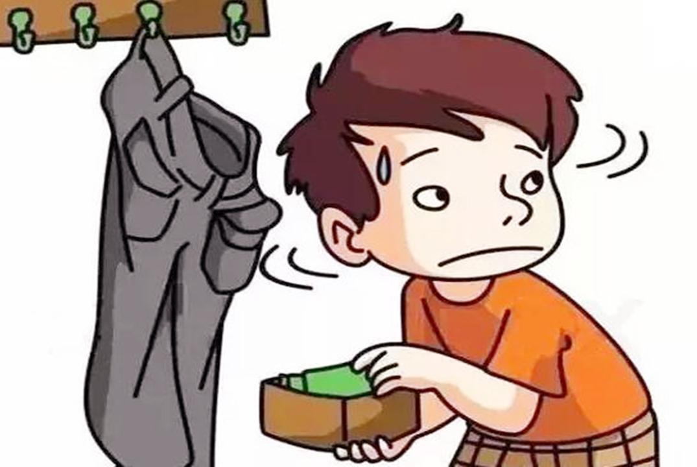 男孩偷了500块钱,被妈妈教育了一顿,老师得知后:怒赞妈妈的做法