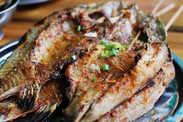 吃烧烤时,点的食物越多老板越高兴,但点这道菜却在给老板找麻烦