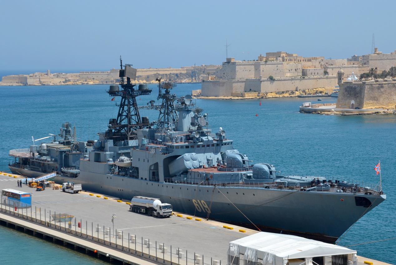 黑海对抗愈演愈烈!美军万吨级战舰硬闯,乌克兰第一时间表示欢迎