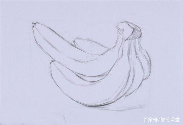 铺大色调,用较软的铅笔铺香蕉的明暗关系,整体观察,先将黑白灰的关系