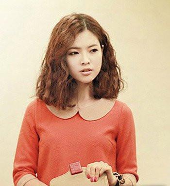韩国蛋卷头发型图片 甜美蛋卷头很受宠图片