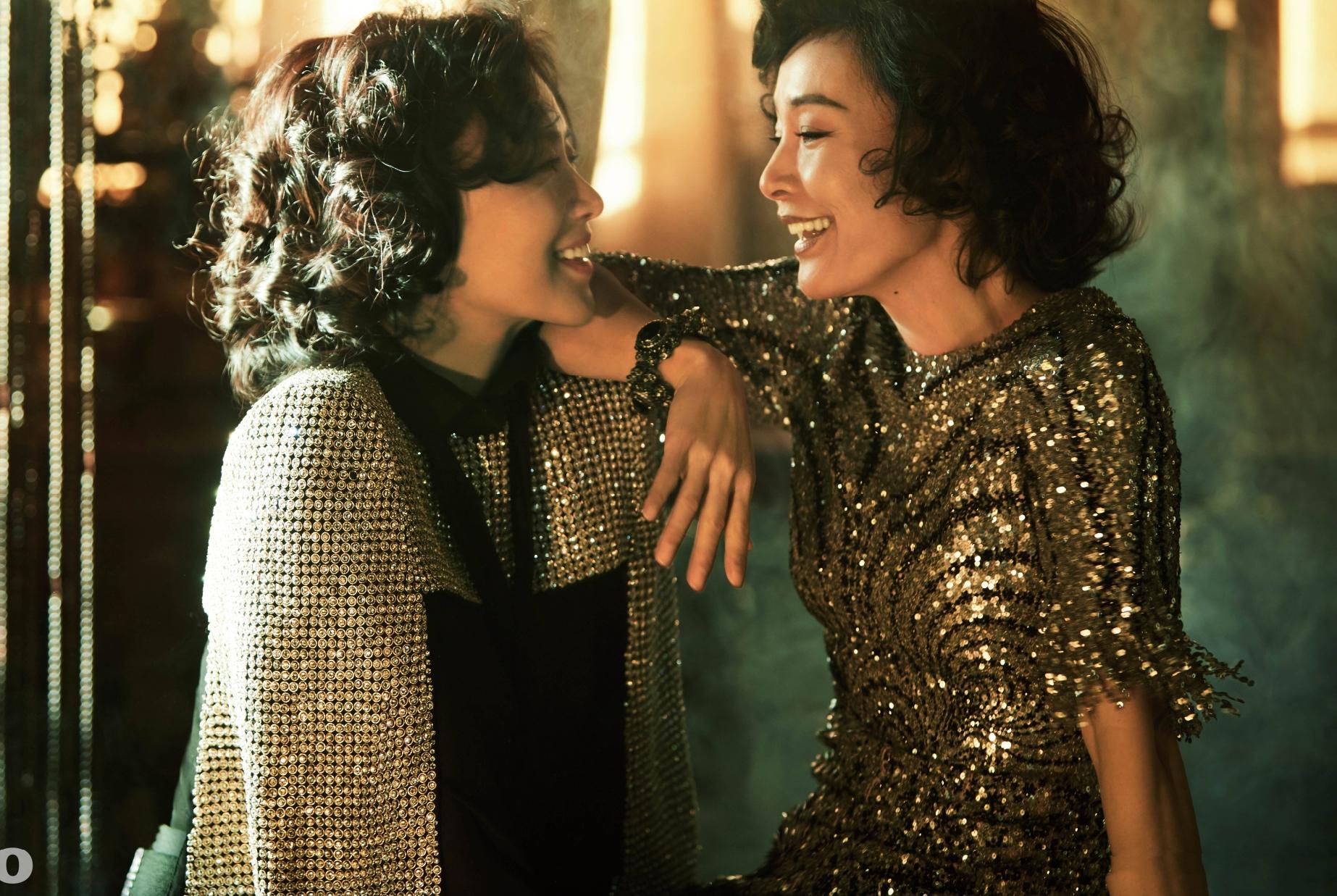 陈冲邬君梅时隔33年携手拍大片,同款姐妹卷发演绎极致美中国风