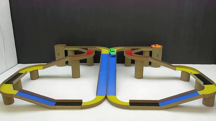 如何用纸板自己动手制作神奇的魔术赛车跑道?