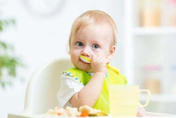 """孩子爱积食、脾胃差?都是这四大""""恶习""""惹的祸,父母要长心"""