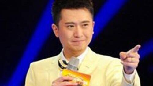 杨帆以幽默轻松的功底主持《越战越勇》风生水起赢得了观众的欣赏