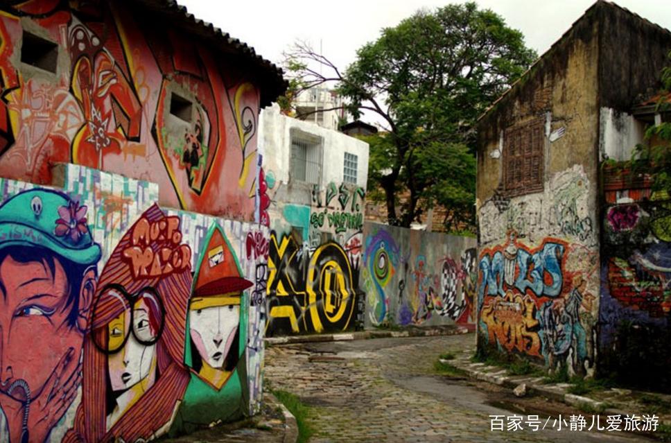 蝙蝠侠胡同,南美风格涂鸦,色彩浓烈,适合摄影.