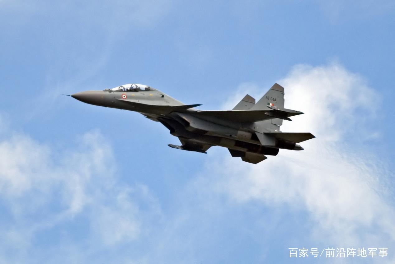 枭龙击落苏30,歼11B功不可没,巴铁飞行员感谢中国帮助
