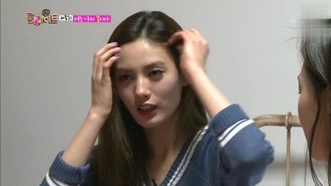 室友 洪秀贤问NANA谈恋爱会在乎年龄吗,NANA:只要是成年就行