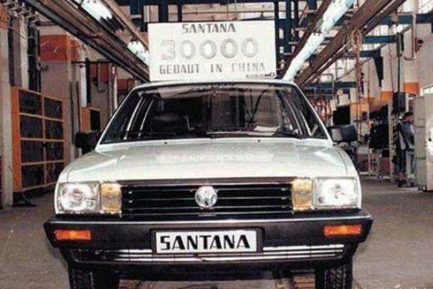 """回望过去:1985年的上海""""大众桑塔纳""""的生产线,老照片!"""