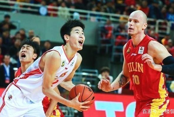 CBA最弱球队的两名队员,入选世预赛男篮大名单,球迷点赞李楠