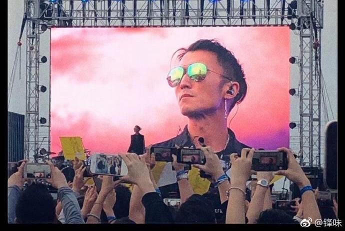 谢霆锋现身音乐会,称不会带儿子看自己演唱会,因他们不爱摇滚