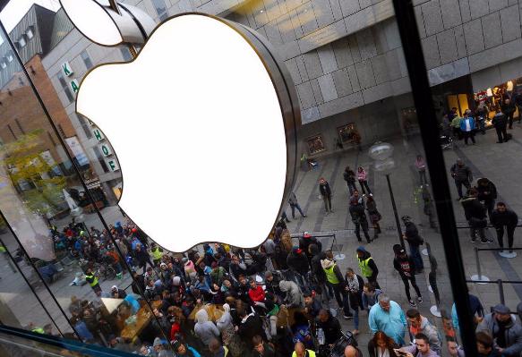 苹果新危机!京东、苏宁相继下调iPhone价格,苹果如何解决?