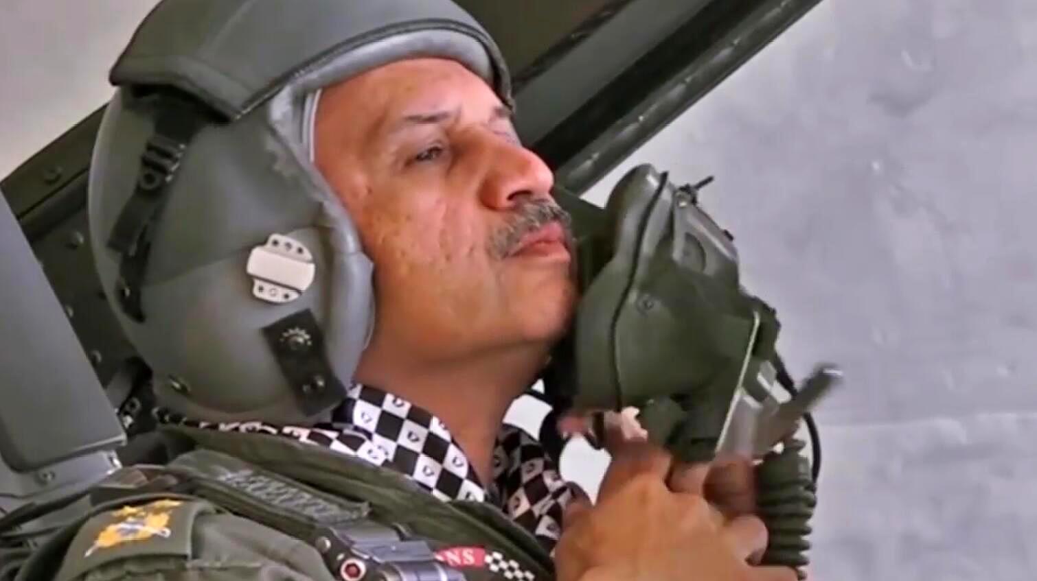 巴基斯坦空军参谋长亲自驾驶F-16参加国庆日阅兵