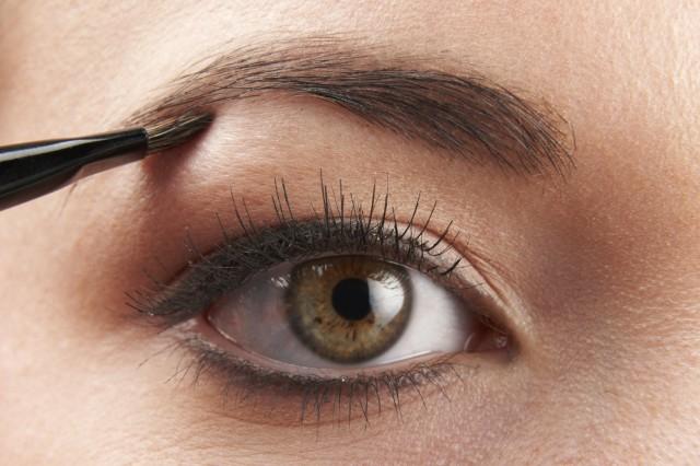 为什么眼角会长斑 为你详解其形成原因