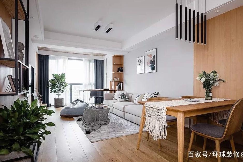 客厅打通阳台后,除了留空设计,还能如何利用好阳台空间?