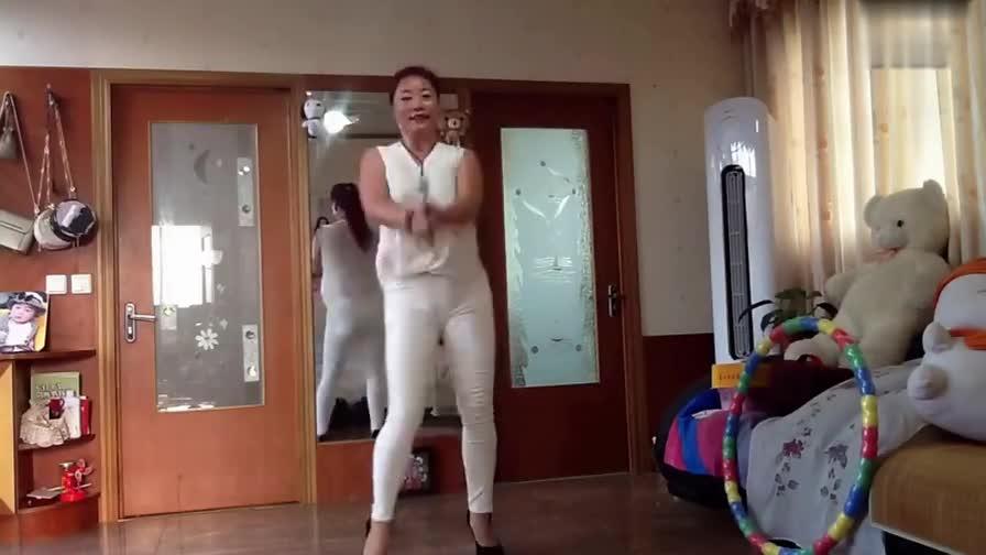 娜娜广场舞——简单舞步——凤凰飞_超清_超清