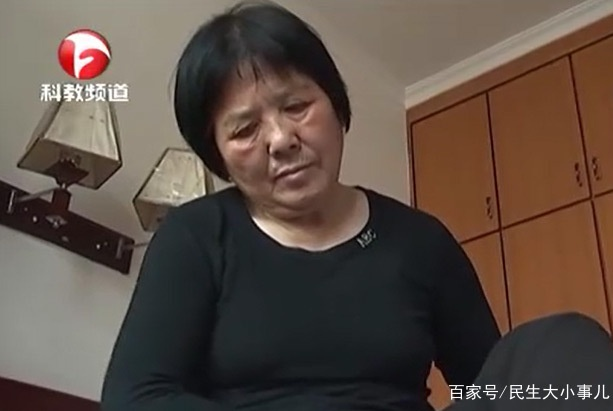 母亲春节探亲病倒邻居家,大儿子上门照顾!
