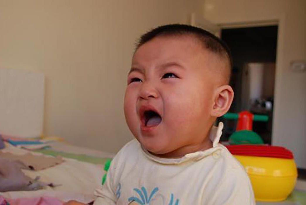 """宝宝身上的""""坏习惯"""",其实是大脑在发育,家长别理解错了"""