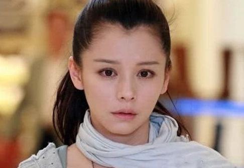 徐若瑄疑似害怕被遗忘,罕见动怒声称有人一直陷害我,诬蔑我!
