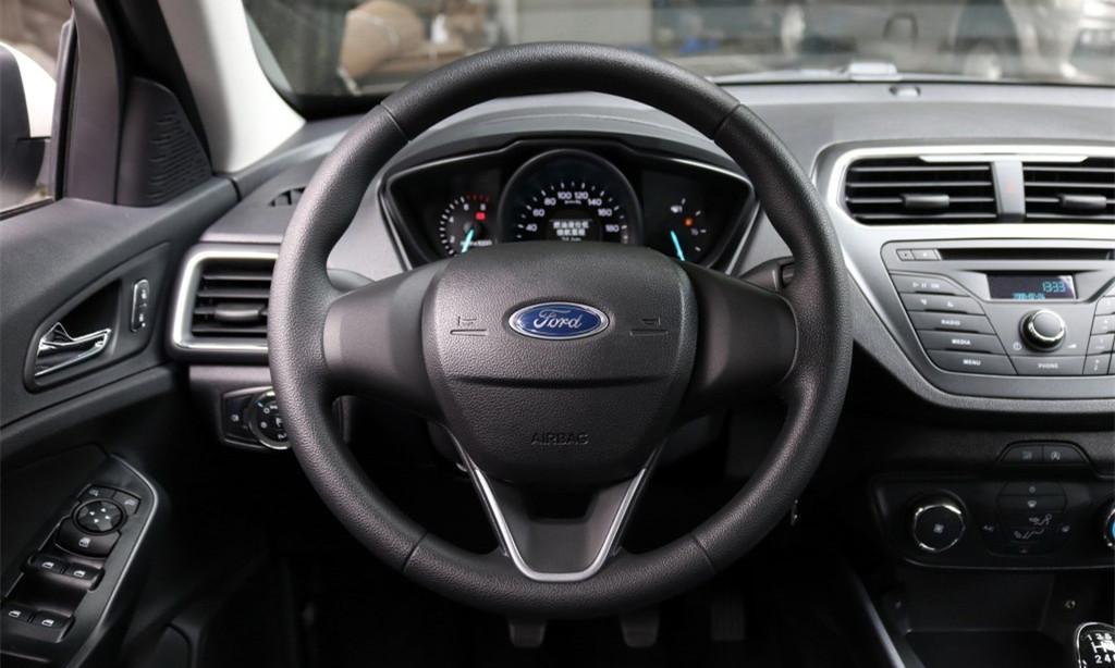 福特福睿斯,1.5升三缸发动机,90千瓦,150牛米,搭配手动变速箱