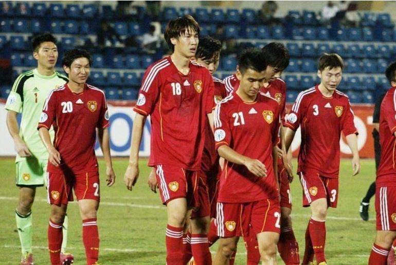 越南媒体热议U19国足:身材高大很笨拙,体能非常差