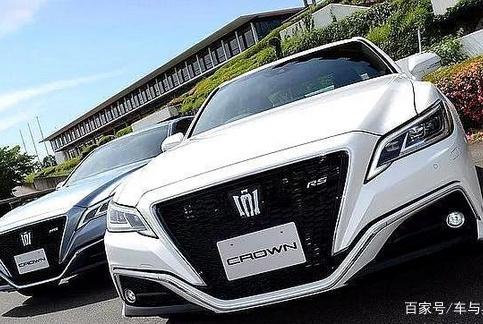 全新丰田皇冠,外形大气时尚,车内配置极具科技感!