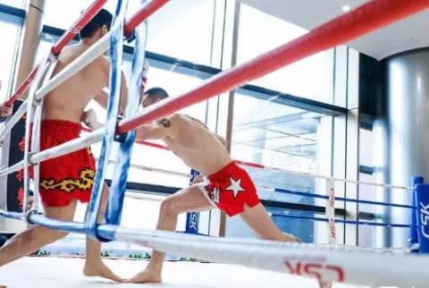 王者会盟老总黄海刚遭质疑:这是用咏春13秒打败了真外国拳王?