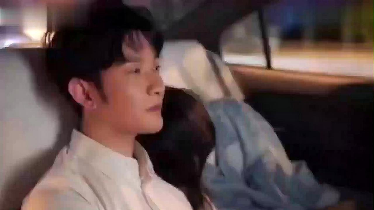 青春斗:郑爽向真被灌醉,跟赵聪视频耍酒疯