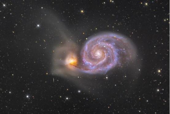 科学家发现整个宇宙都在旋转,被绕着转动的物体至今是个谜
