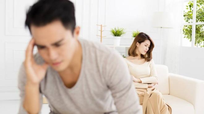 岳母58岁说要再婚,非要我和老婆给她买房,我该怎么办?
