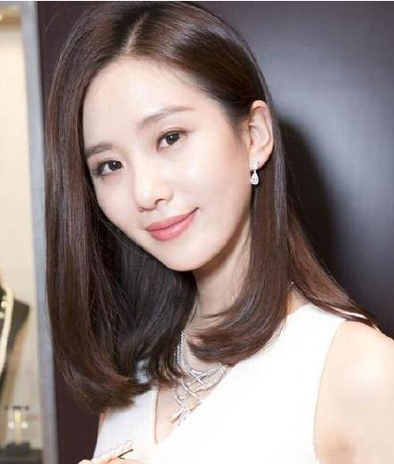 本以为长发的刘诗诗够美了,直到看见短发的她,网友:像是18岁图片