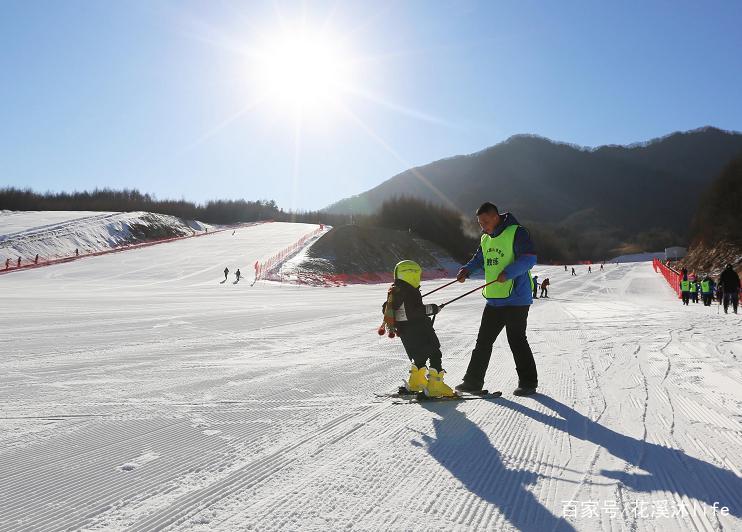 本溪云山滑雪场实景拍摄图片